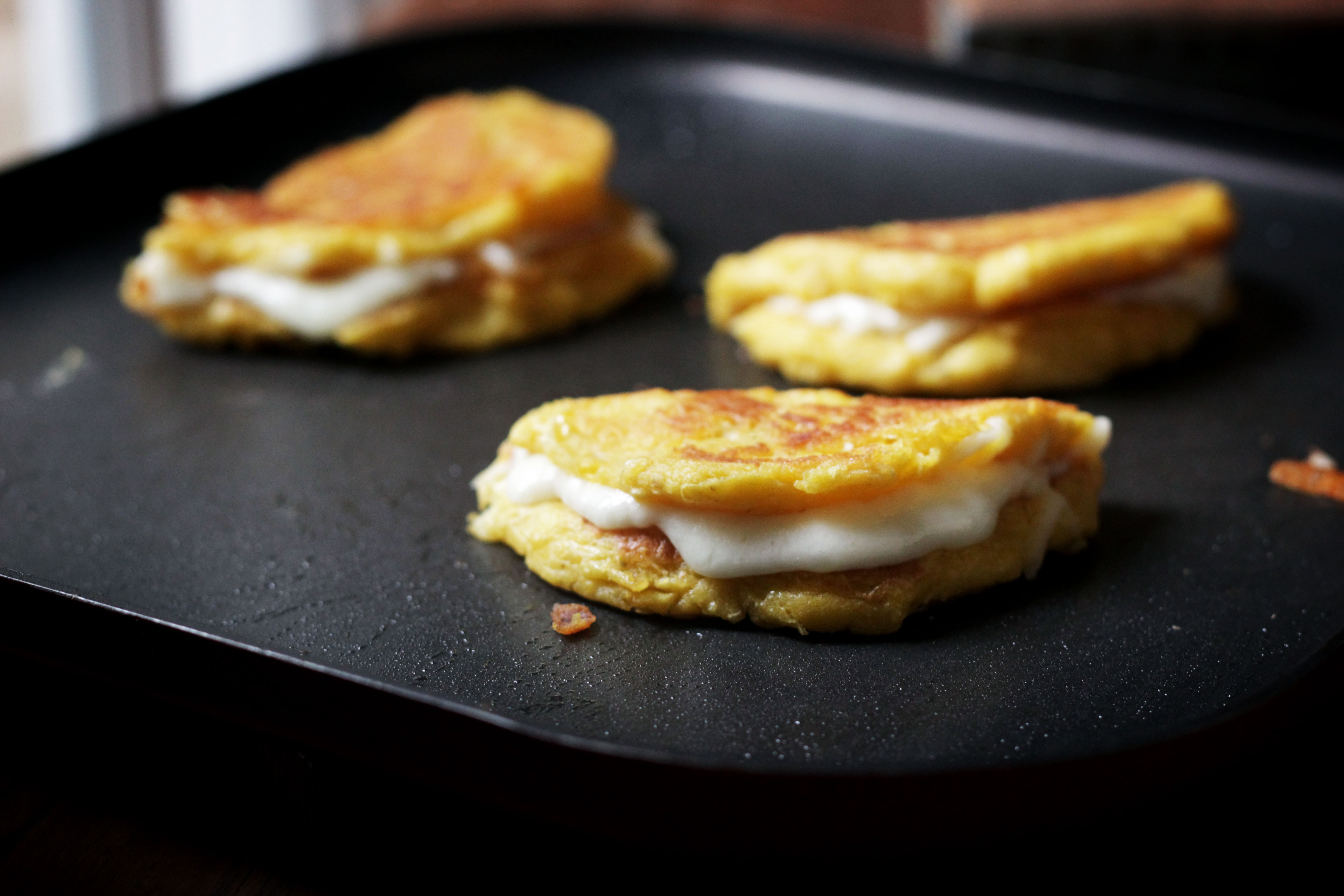 Venezuelan Fresh Corn Cakes With Cheese