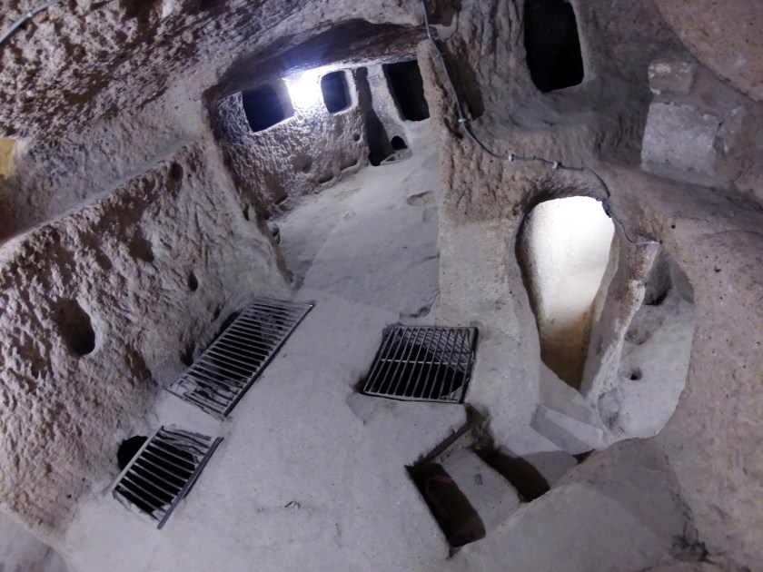 Kaymakli underground city By © Nevit Dilmen, CC BY-SA 3.0, https://commons.wikimedia.org/w/index.php?curid=31061173