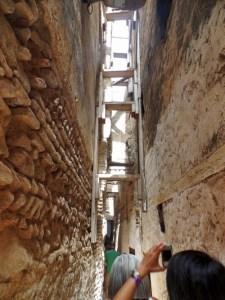 Tipico Vicolo della città vecchia di Fez
