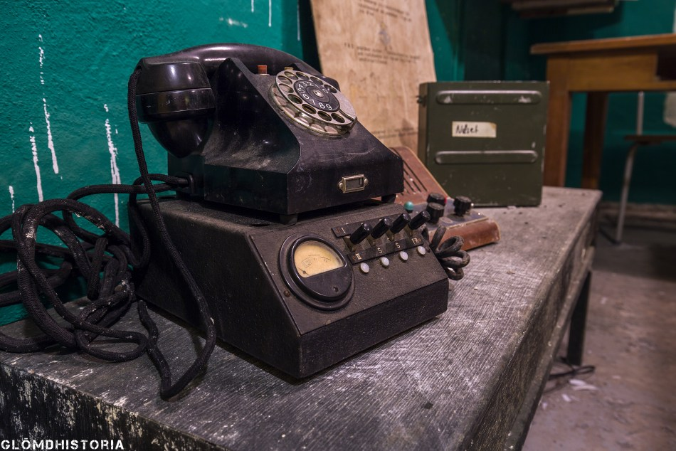 En telefon av äldre modell som användes i telefonväxlarna.