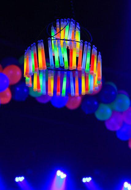 20-Cool-Glow-Stick-Ideas-Glow-Stick-Chandelier-5