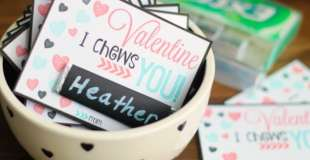 """I Chews You"" Printable Valentine Cards"