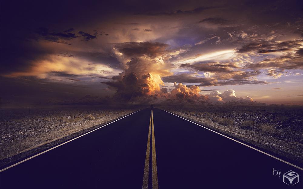 Bewölkte Straße