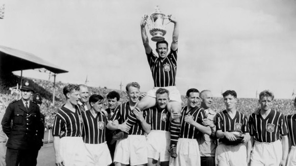 Manchester City after winning the 1956 FA Cup (Source: www.mcfc.com)