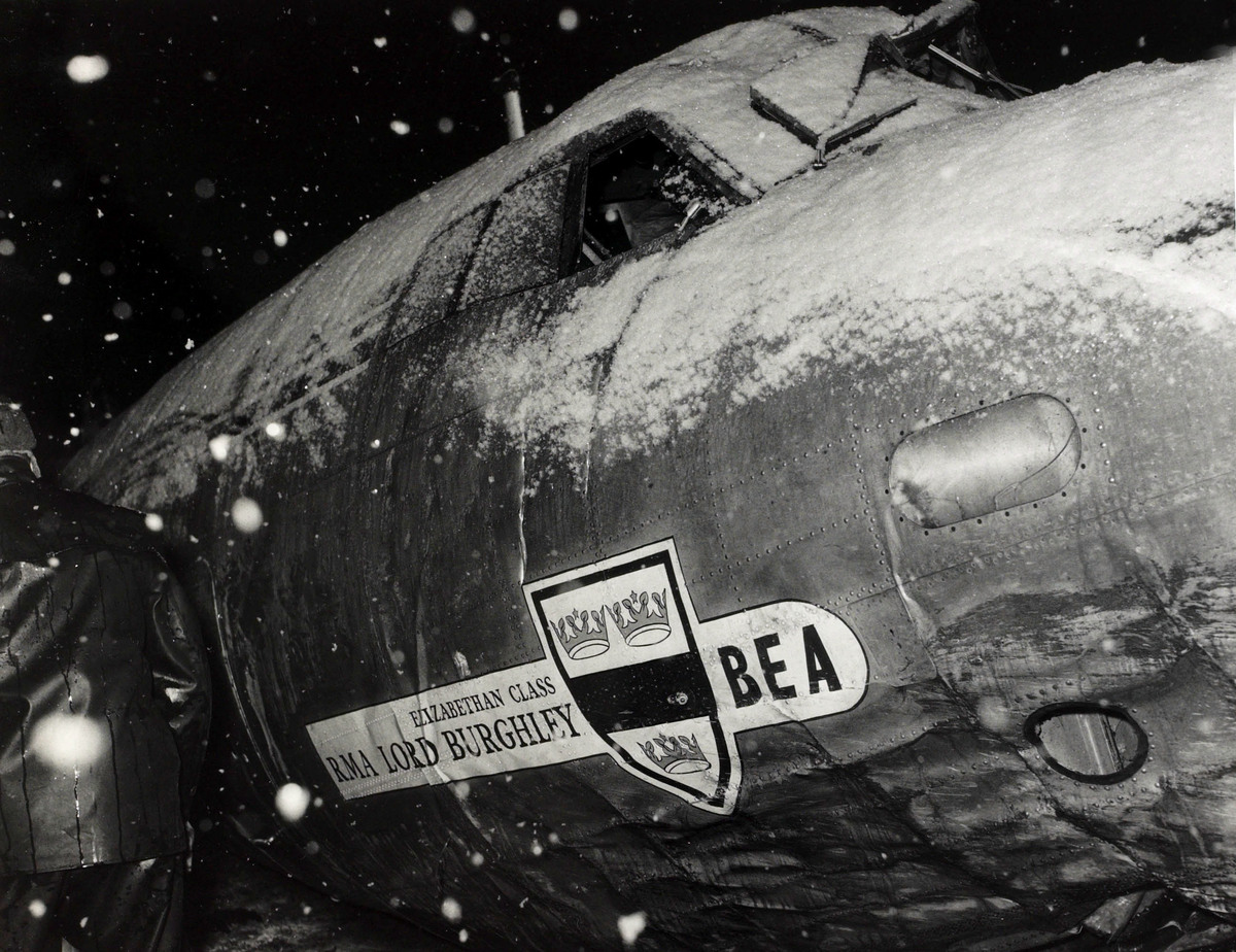 6th February 1958, The snow covered fuselage, part of the wreckage of the B,E,A, Elizabethan airliner G-ALZU 'Lord Burghley' after the crash at Munich in which 23 people died, 8 being Manchester United footballers (Photo by Popperfoto/Getty Images)