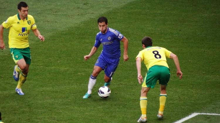 Chelsea's Eden Hazard on the attack (photo: Ben Sutherland)