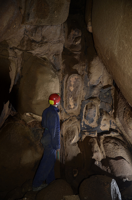 Passage in Gobholo Cave