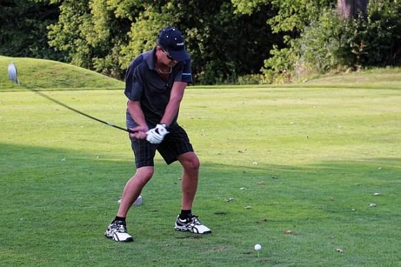 ゴルフスイングを安定させる左足の使い方。飛距離アップへ。