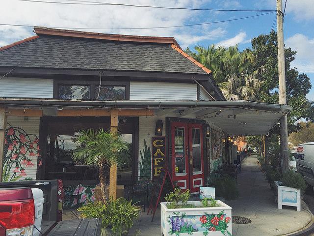 Tout de Suite Cafe is an Algiers Point Coffee Shop and hot breakfast/salad and sandwich spot