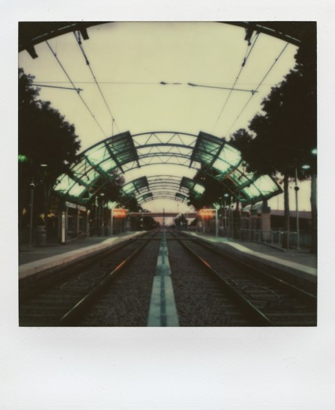 Polaroid SX-70 - Impossible Project PX-70 V4B