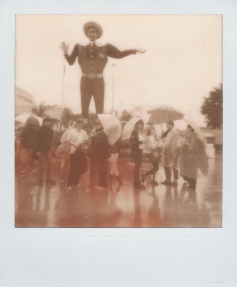 Photo: Daniel Rodrigue - Polaroid One Step - Impossible Project PX-100 Old Gen