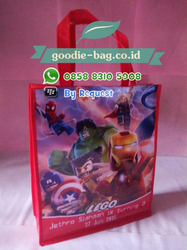 Tas Souvenir Ultah Avengers Lego