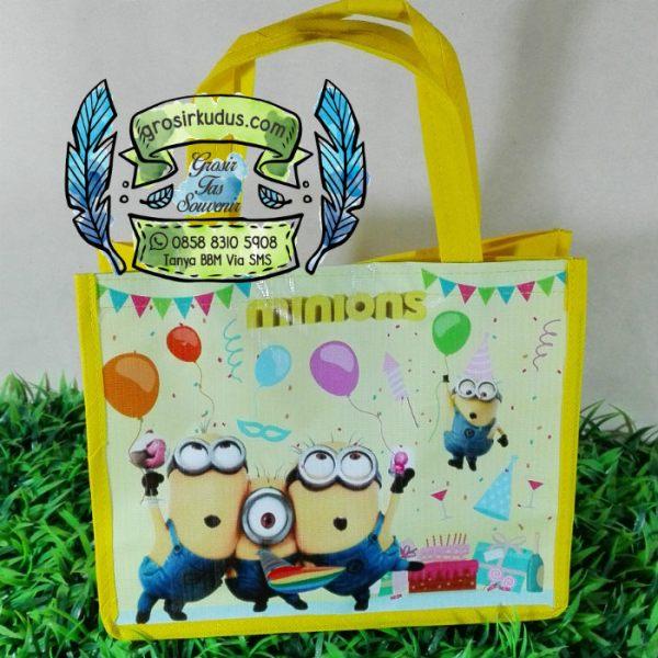 tas ulang tahun minion