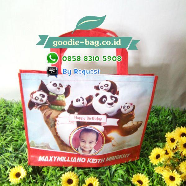 Souvenir Ultah Kungfu Panda