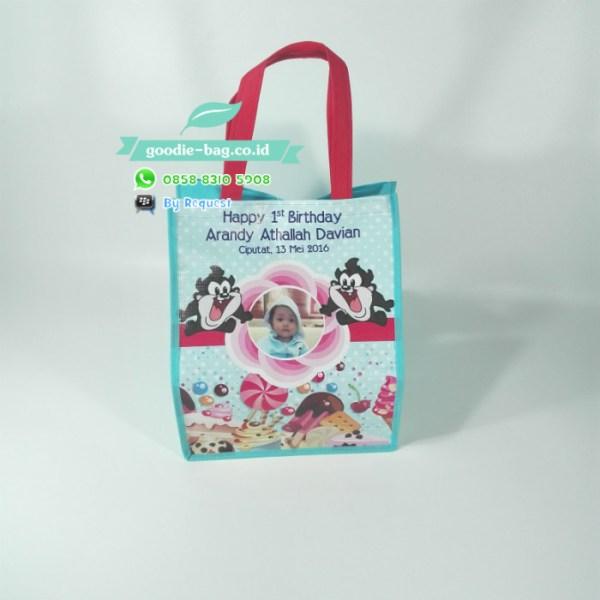 tas souvenir ulang tahun tazmania devil