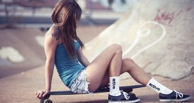 girl-style-with-skateboard-wallpapers