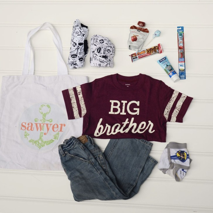 what to pack for siblings brother sister when mom goes to the hospital to have baby