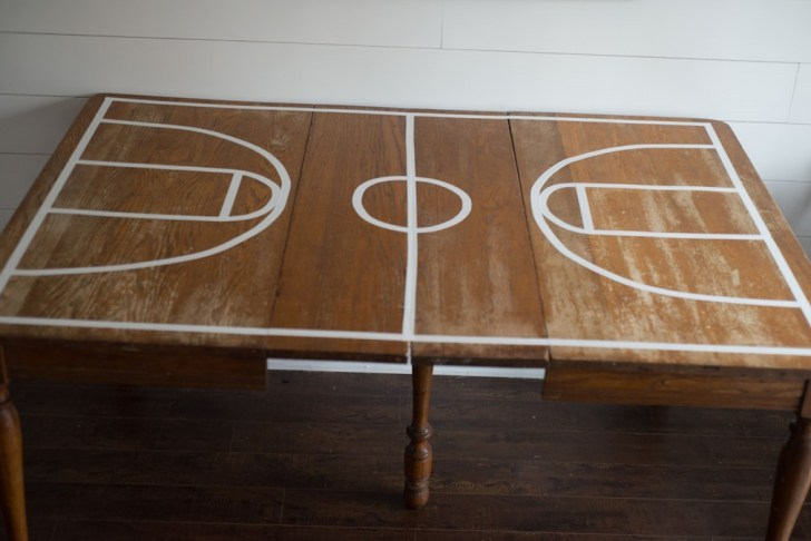 basketball party table