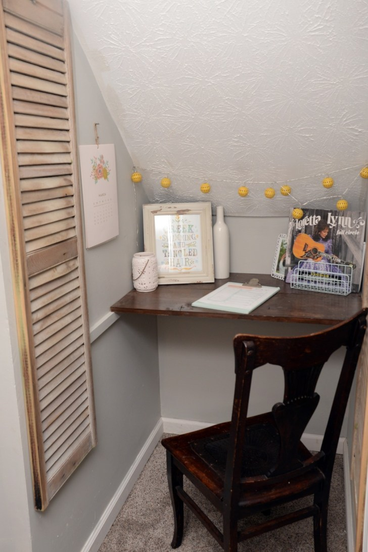 Under stair office makeover (1)