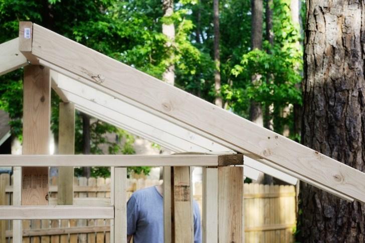 DIy playhouse farmhouse (21)