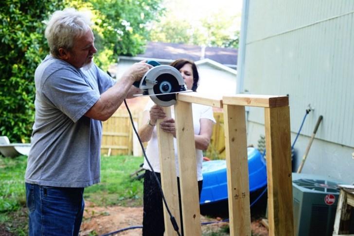 DIy playhouse farmhouse (7)