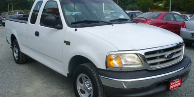 2002 Ford F150  4X2- X-Tra Cab Low KM