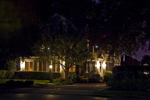 Amityhorrorhouse-night