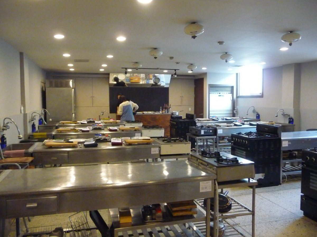 Pro Cooking Classes Seoul Modern Appliance Great Design Stainless Steel Table Design