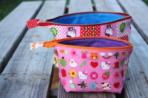 Open Wide Zippered Pouch Tutorial