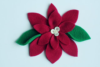 Featured: Pretty Poinsettia Tutorial