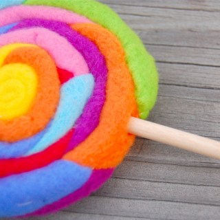 Featured: Fleece Lollipop Tutorial