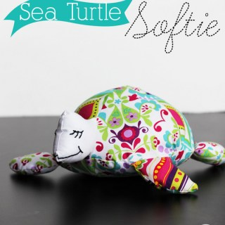 Sea turtle softie pattern (free download) by Positively Spendid - Sewtorial