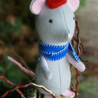 Create this cutie pie mouse softie by Jodie Carleton - Sewtorial