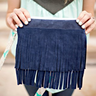 Fringe is a fun way to add style (and whimsy) to any outfit. See Kate Sew shares the chic side of fringe with this DIY Fringe Bag tutorial. -Sewtorial