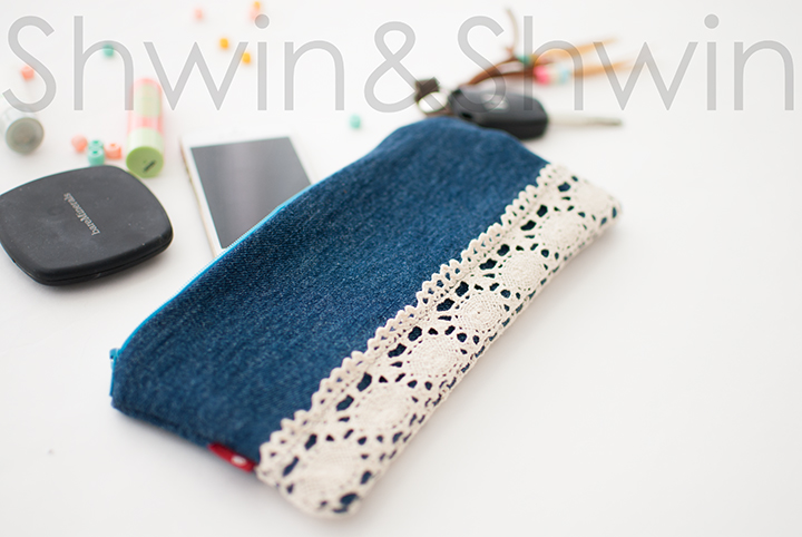 What can you make with a pair of jeans, lace and a key ring? Shwin and Shwin shares a fun tutorial on creating this adorable clutch. -Sewtorial