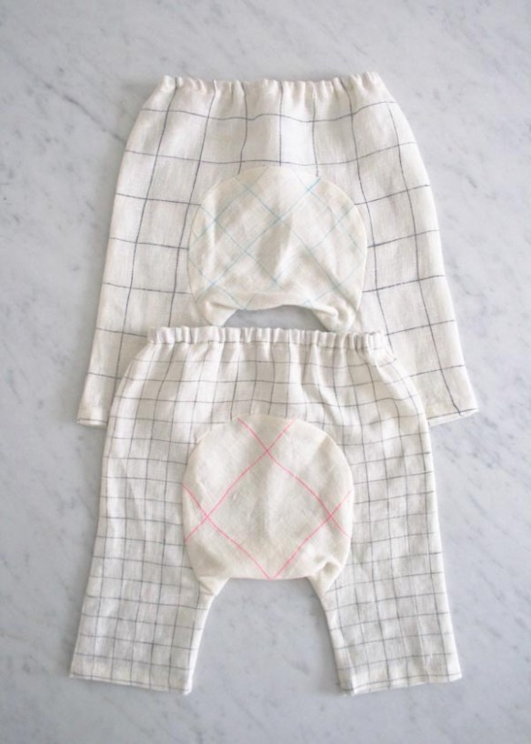 Purl Bee shares an adorable (free) linen baby pants pattern, but don't limit yourself to just linen. Super cute as a baby gift, too. - Sewtorial