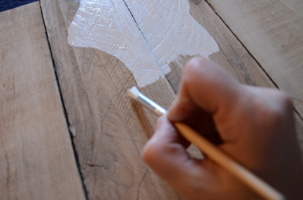 painting-pallet-stencil-brush