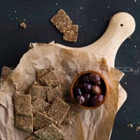 Homemade Flax and Hemp Seed Crackers | Grain-Free and Gluten-Free