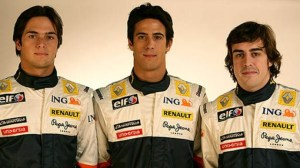 Di Grassi (c) tested for Renault, but was no closer to an F1 seat for 2009. Here he is between Fernando Alonso (r) and adversary Nelson Piquet Jr (l).