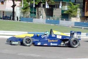Lucas di Grassi in Formula Renault 2.0 Brasil, pictured here racing for the G-Force team in Vitória.