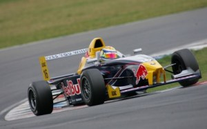 2005 marked the beginning of an ongoing relationship between Buemi and Red Bull.