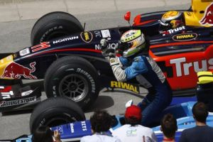 Buemi finished behind Bonanomi in the final 2008 GP2 Asia race, ending the year as vice-champion. (GP2 Media Service)