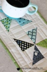 pinwheel mug rug by www.GraceElizabeths.com