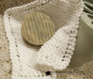 FREE Pattern: Classic Diagonal Washcloth at Grace Elizabeth's #GEinc