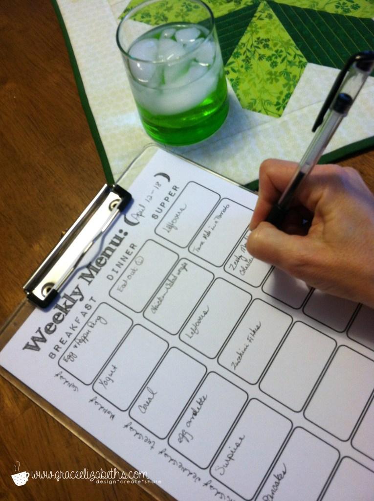 Weekly Menu Plan in Action - #FREE #download by Grace Elizabeth's