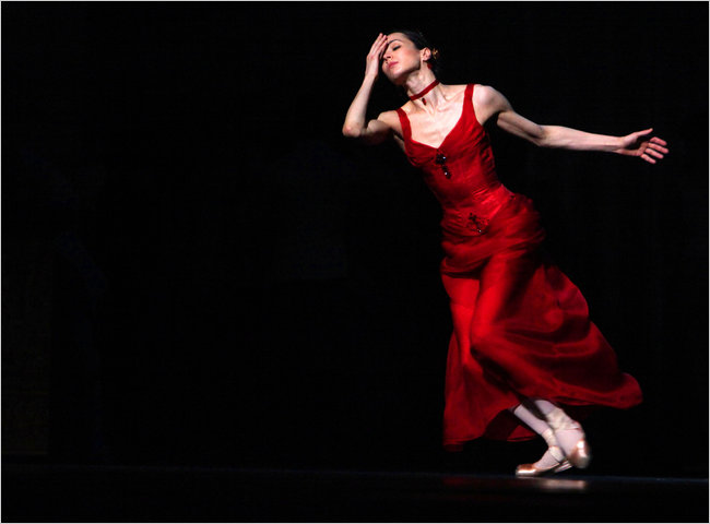 Vishneva Karenina Ouch! The NY Times Alastair Macaulay strikes a blow at Ratmansky's 'Anna Karenina'