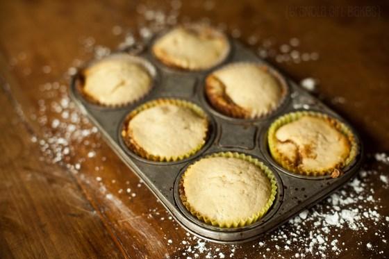 Cinnamon Roll Cupcakes :: Granola Girl bakes 12