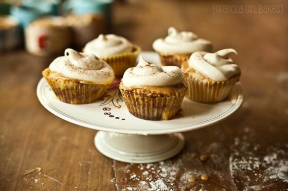 Cinnamon Roll Cupcakes :: Granola Girl bakes 18