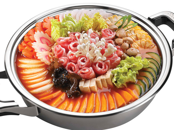 Korean imperial hotpot with assorted vegetables