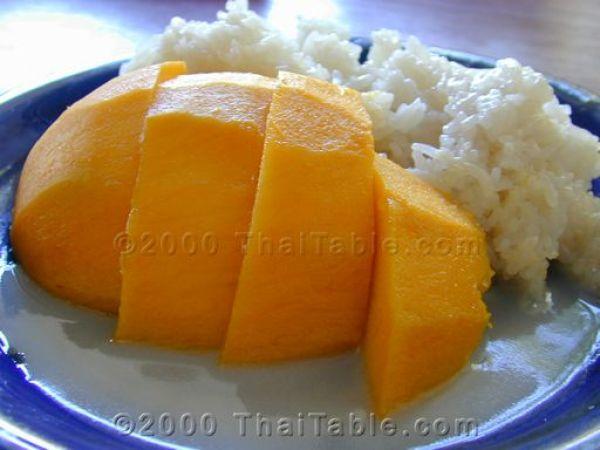 mango-on-sticky-rice